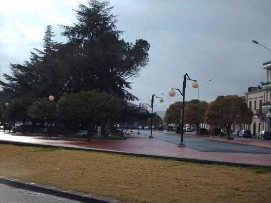 piazza giardino (dei vespri siciliani) - Linguaglossa (4771 clic)