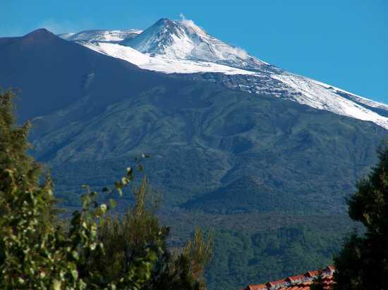 neve sull'Etna...a giugno!!!!! - Pedara (4312 clic)