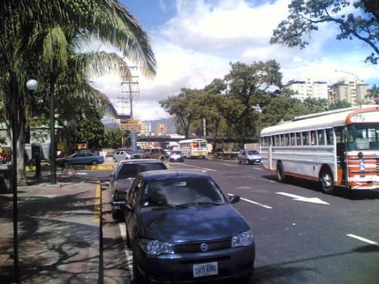 avenida Bolivar - Roma (2793 clic)