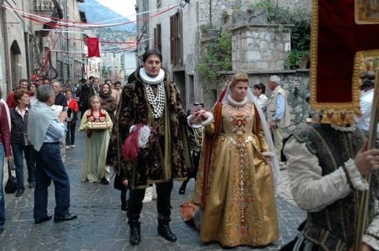 il duca e la duchessa - Sermoneta (2796 clic)