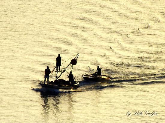 L'alba dei pescatori - Pizzo calabro (5778 clic)
