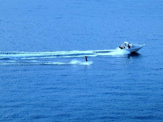 Sci nautico nel Golfo di Sant ' Eufemia -  - inserita il 19-May-11