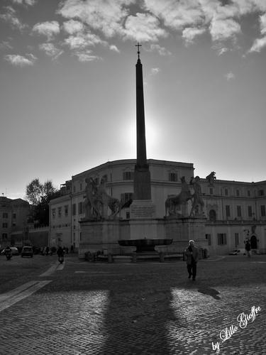 L'obelisco e il sole (1086 clic)
