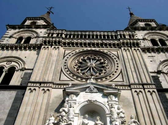 Acireale - Basilica Cattedrale Maria S.S. Annunziata (3460 clic)