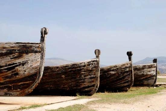 Tonnara Bonagia - Vecchi vascelli per la cattura dei Tonni (3382 clic)