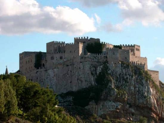 Il Castello - CACCAMO - inserita il 19-Sep-07