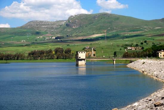 Lago Scanzano  - Marineo (6032 clic)