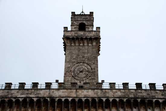 Torre del Palazzo Comunale  - Montepulciano (1973 clic)