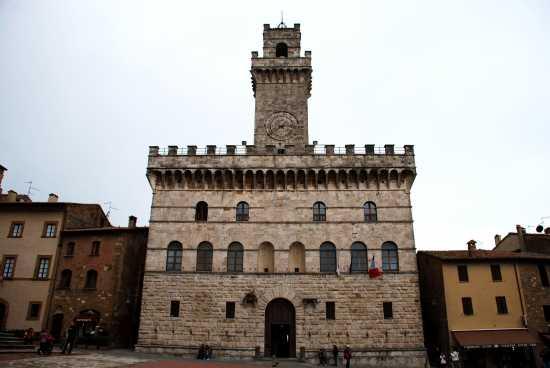 Palazzo Comunale  - Montepulciano (3364 clic)