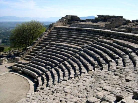 Il Teatro - Segesta (3531 clic)