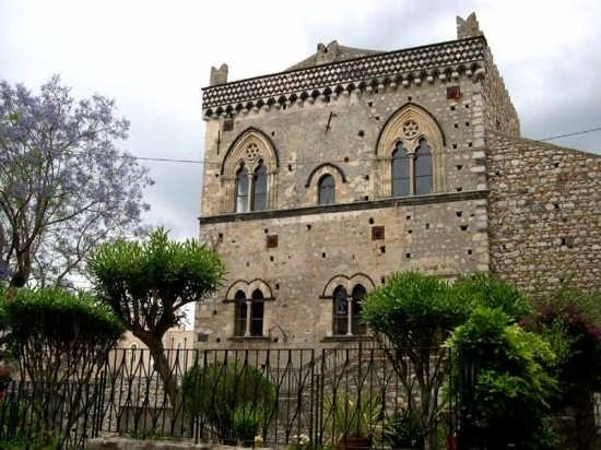 Taormina - Palazzo Duca di S. Stefano (5539 clic)