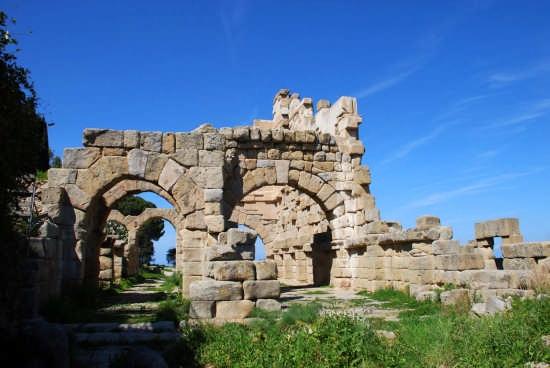 Le rovine greche - Tindari (3492 clic)