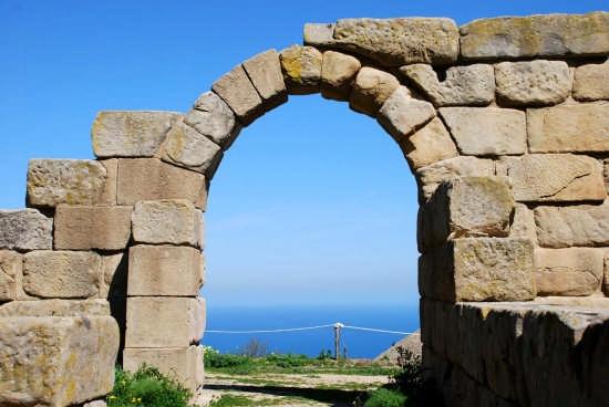 Le rovine greche - Tindari (4849 clic)