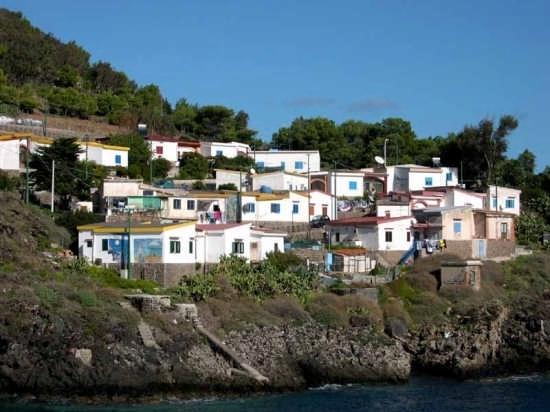 Ustica - Villaggio dei Pescatori (5682 clic)