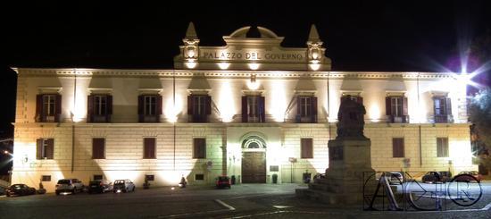 Palazzo del governo - Cosenza (3110 clic)