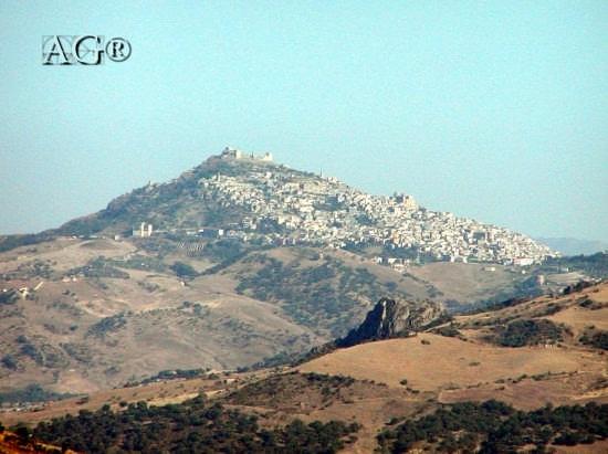 Panorama - Agira (4735 clic)