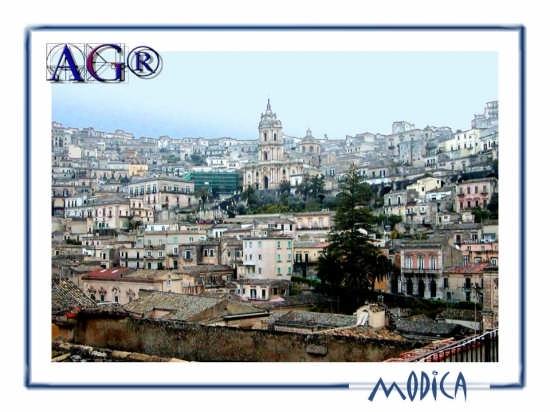 Panorama - MODICA - inserita il 13-Jul-07