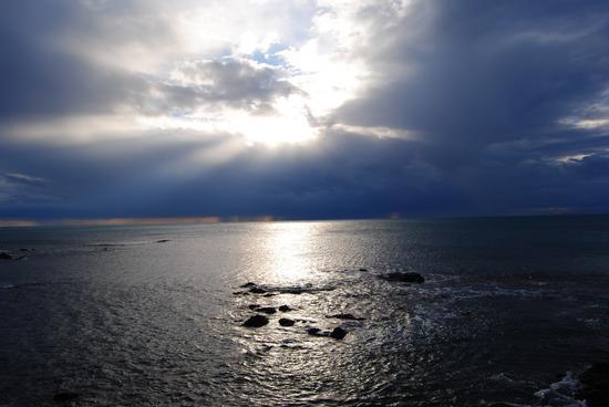 Nubi temporalesche sopra il mare - Quercianella (1910 clic)