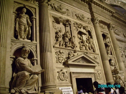 Il Santuario della Santa Casa - LORETO - inserita il 15-Jun-07