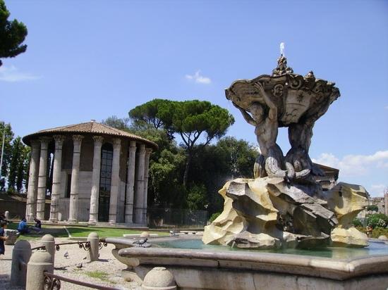 Roma, Piazza Santa Maria in Cosmedin - ROMA - inserita il 09-Jun-07