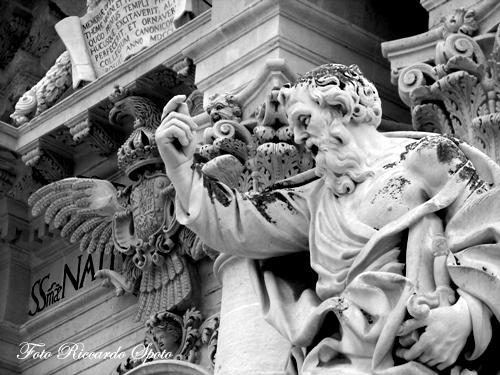 Siracusa Piazza Duomo (2365 clic)