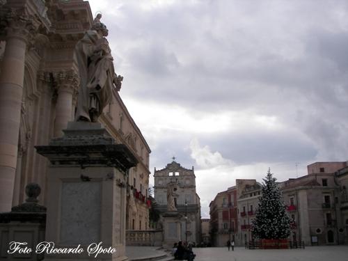 Siracusa Piazza Duomo (2170 clic)