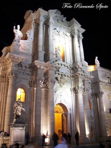 Siracusa Piazza Duomo (5514 clic)
