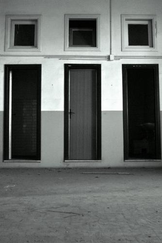 chiusa una porta! si apre un portone! - Lucca (1125 clic)