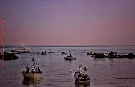 Flottiglia di pescherecci impavesati - FRANCAVILLA AL MARE - inserita il 09-May-12