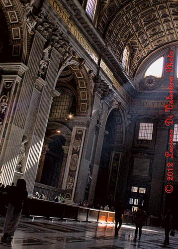 Passaggi luminosi in San Pietro (1) - Roma (1566 clic)