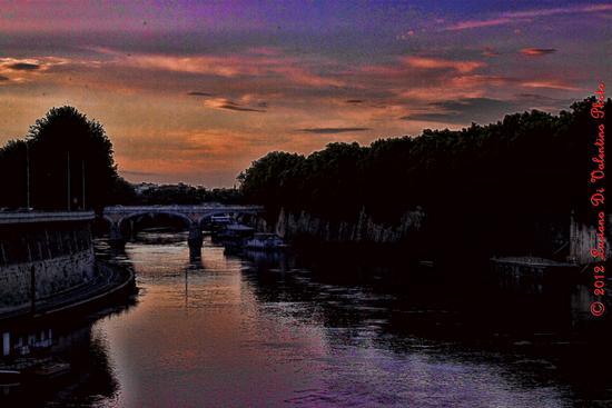 Tramonto sul Tevere visto dal Ponte Cavour - Roma (2118 clic)