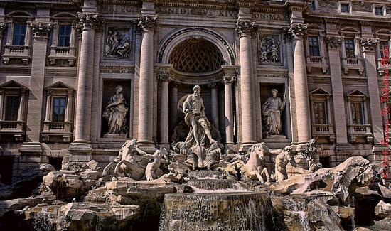 Fontana di Trevi (3) - Roma (3476 clic)