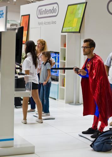 anche superman gioca ai videogiochi (679 clic)