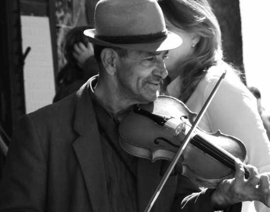 il violinista - Acireale (3100 clic)