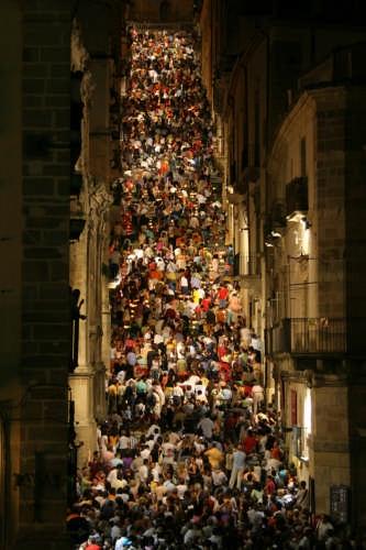 Mosaico di persone - Caltagirone (5513 clic)