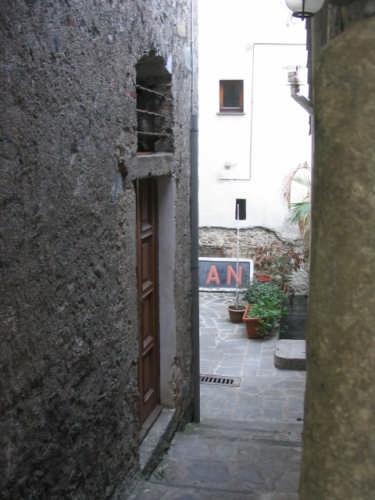 Corniglia - corte medievale (2126 clic)