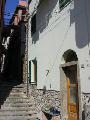 Corniglia, sotto la Croce (centro Storico) (3074 clic)
