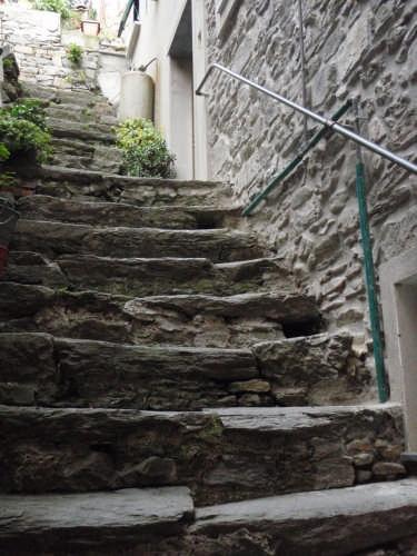 Corniglia - Centro storico - scale in pietra locale (5305 clic)