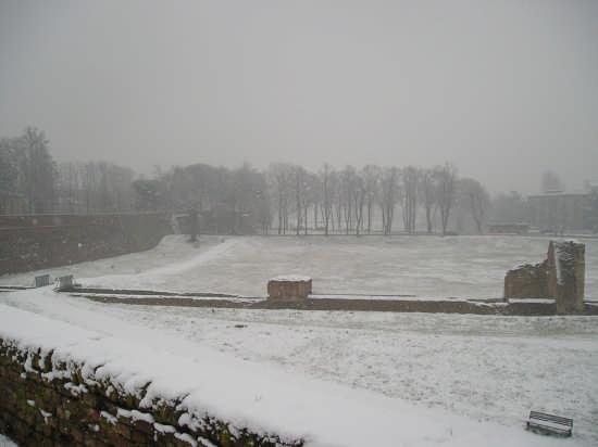 le mura sotto la neve - Ferrara (4689 clic)