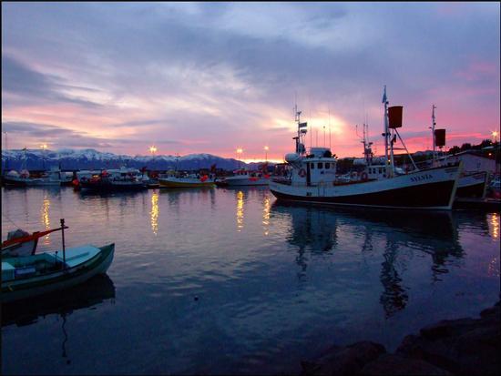 il mare, le barche, il freddo e il silenzio... (998 clic)