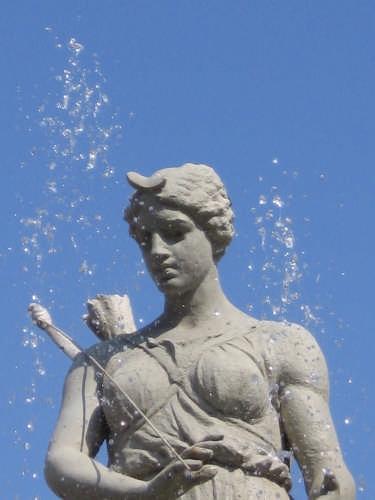 Diana bagnata - Siracusa (3015 clic)