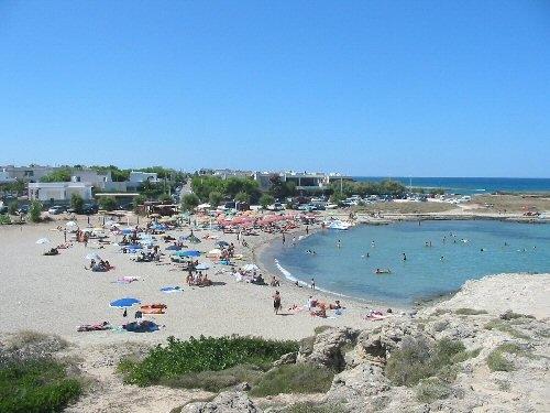 Spiaggia Mezzaluna - CAROVIGNO - inserita il 06-Jul-07