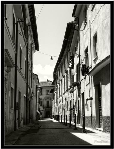 Rieti - vicolo reatino (1296 clic)