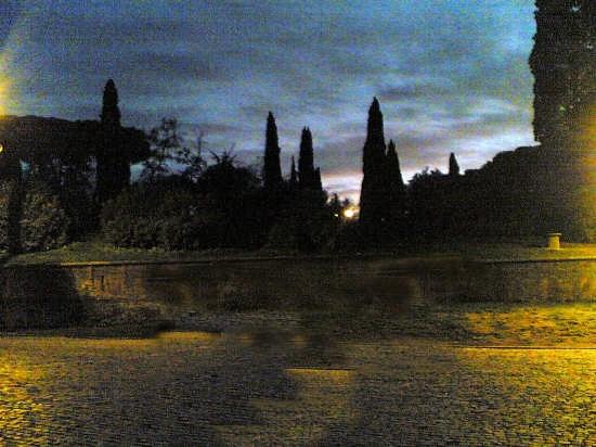 paesaggio notturno al colosseo - Roma (3199 clic)