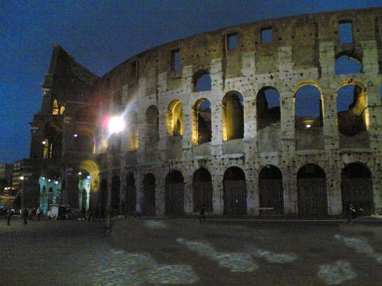 the dark colosseo - Roma (2107 clic)