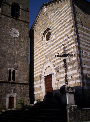 viicini di fede (Vagli di sopra) - Castelnuovo di garfagnana (1142 clic)