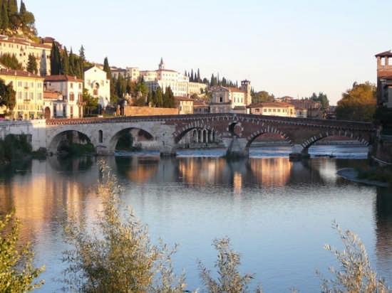 Verona-Ponte Pietra dall'Adige (15086 clic)