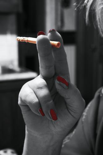 Una sigaretta viene e un'altra va... - San lorenzo a vaccoli (1564 clic)