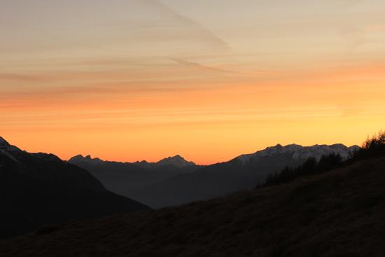 Tramonto in Val Cane - VIONE - inserita il 06-Dec-11