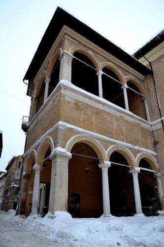 Loggia dei Mercanti - Macerata (2753 clic)